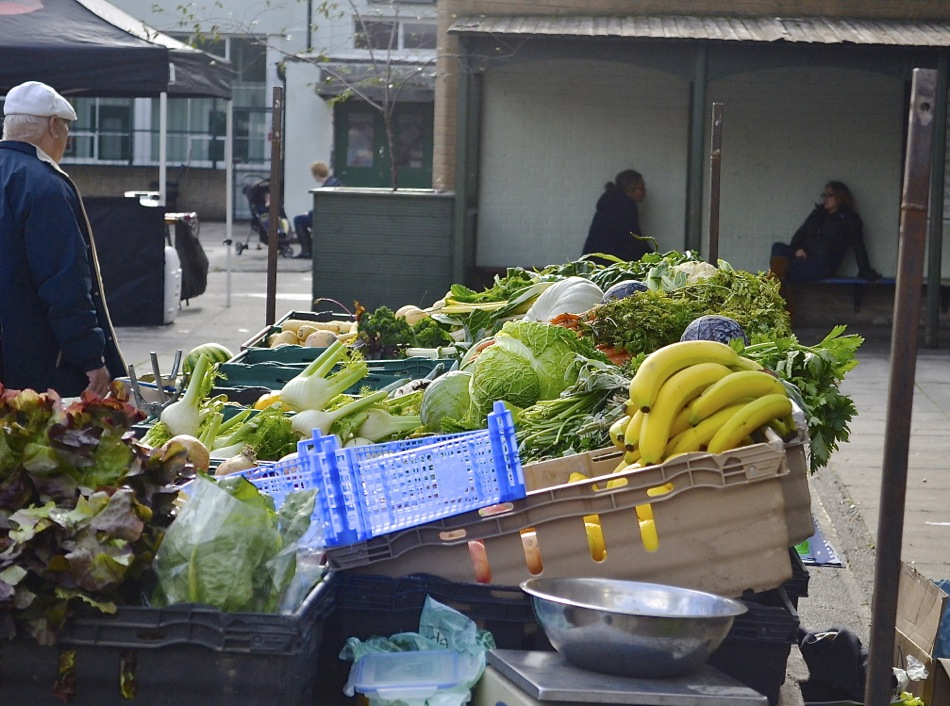 fresh produce market fruit vegetables newington green london