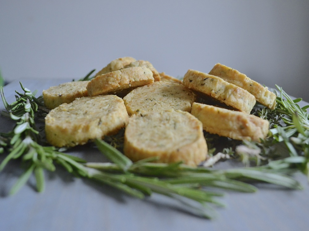 shortbread, baking, snack, herbs, parmesan