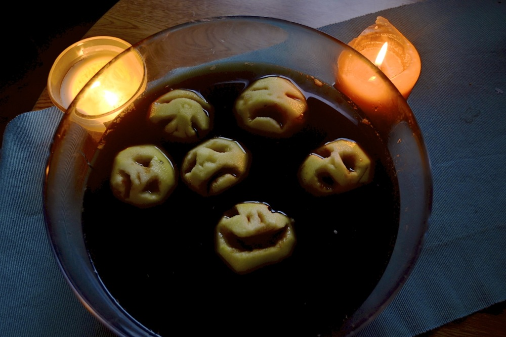 halloween spooky snack shrunken head punch apple cola coke candles