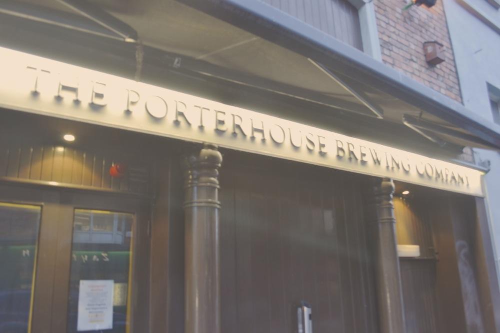 Porterhouse brewery bar pub Dublin temple bar