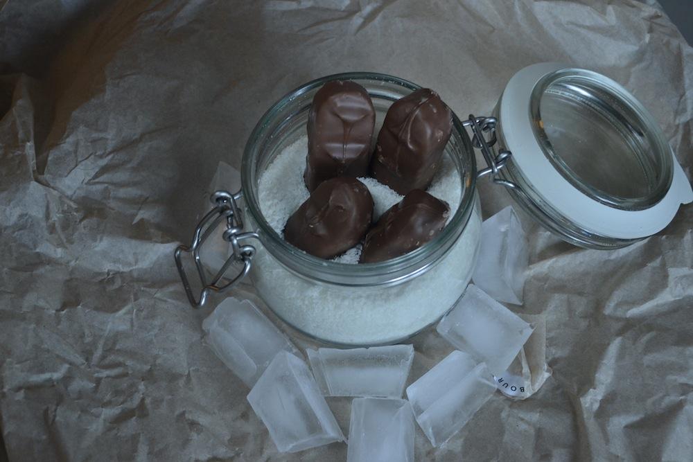 bounty frozen ice coconut chocolate